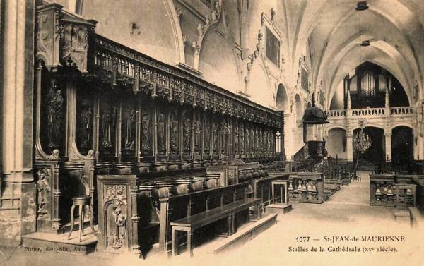 Saint-Jean-de-Maurienne (Savoie) La cathédrale, les stalles CPA