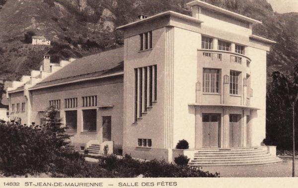 Saint-Jean-de-Maurienne (Savoie) La Salle des Fêtes CPA