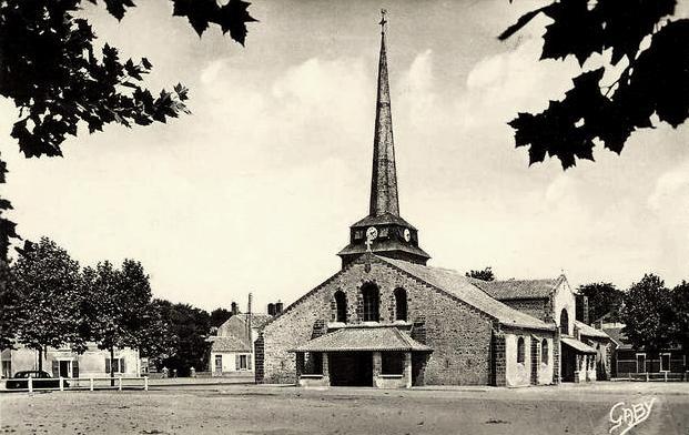 Saint-Jean-de-Monts (Vendée) L'église CPA