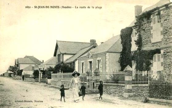 Saint-Jean-de-Monts (Vendée) La route de la plage CPA
