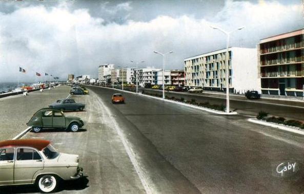 Saint-Jean-de-Monts (Vendée) Le front de mer vers 1958 CPA