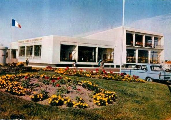 Saint-Jean-de-Monts (Vendée) Le Palais des Congrès vers 1962