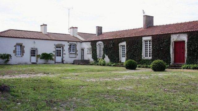 Saint-Jean-de-Monts (Vendée) Le Vigneau, ancien collège impérial (2)