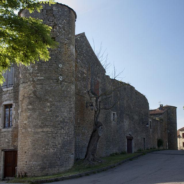 Saint-Jean-et-Saint-Paul (Aveyron) Saint-Jean-d'Alcas, rempart Est