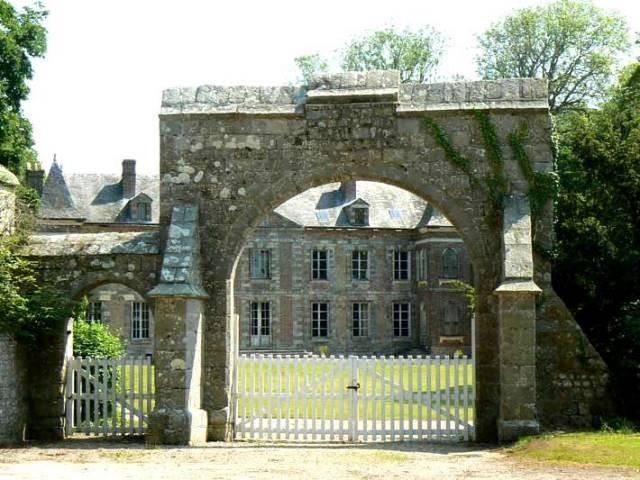 Saint-Martin-aux-Buneaux (Seine Maritime) Château