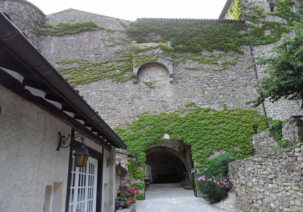Saint-Maurice-Navacelles (Hérault) Madières, le château