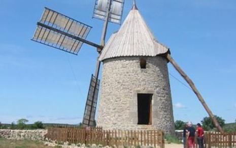 Saint-Pierre-de-la-Fage (Hérault) Parlatges, le moulin