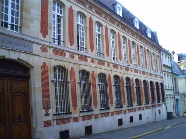 Saint-Quentin (Aisne) la bibliothèque municipale