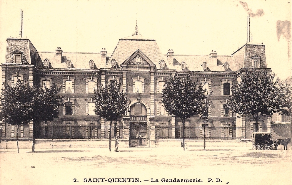 Saint-Quentin (Aisne) CPA la gendarmerie