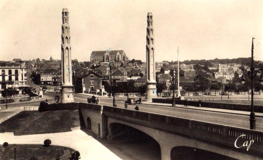 Saint-Quentin (Aisne) CPA le pont Bigot