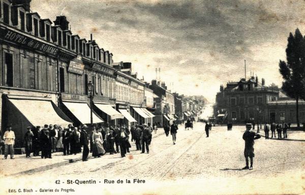 Saint-Quentin (Aisne) CPA la rue de La Fère