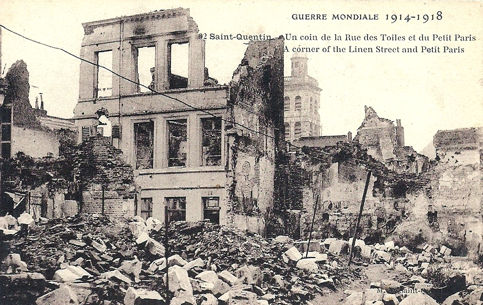 Saint-Quentin (Aisne) CPA 1914, la rue des toiles