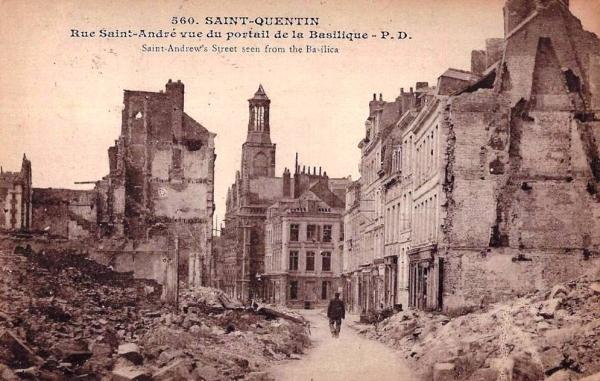 Saint-Quentin (Aisne) CPA 1914, la rue Saint André