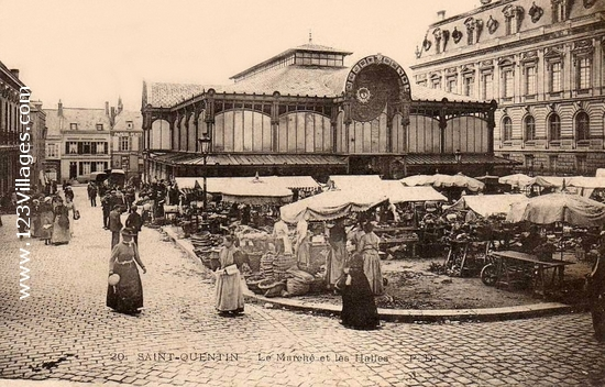 Saint-Quentin (Aisne) CPA le marché couvert