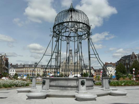 Saint-Quentin (Aisne) le vieux puits