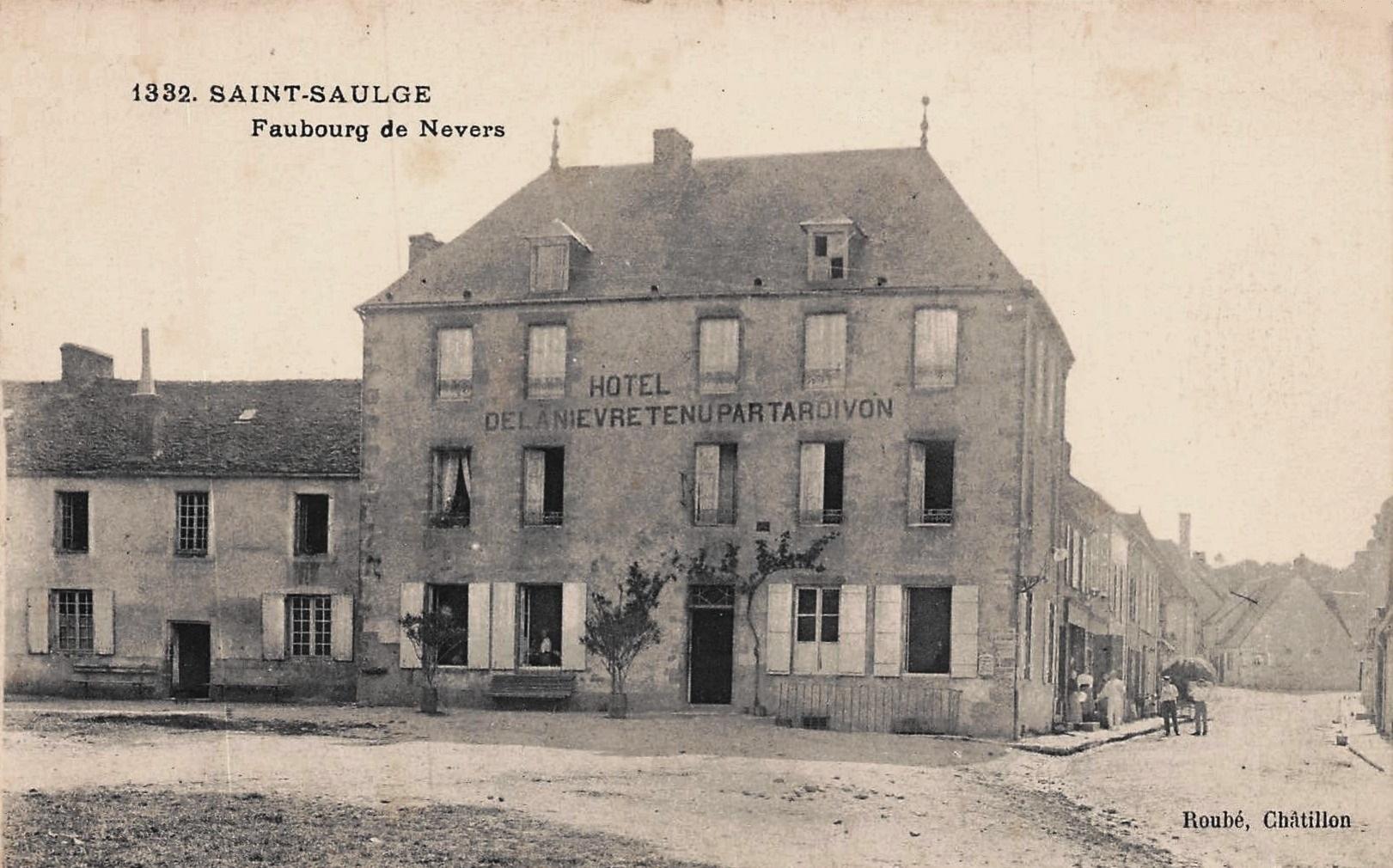 Saint-Saulge (Nièvre) L'Hôtel de la Nièvre CPA