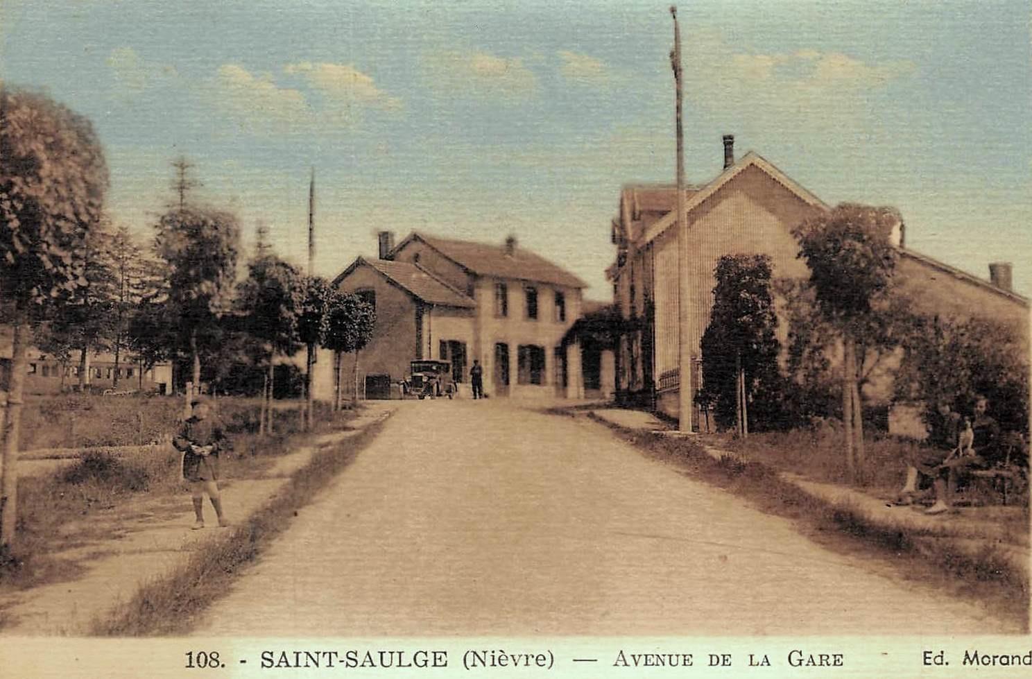 Saint-Saulge (Nièvre) La rue de la Gare CPA