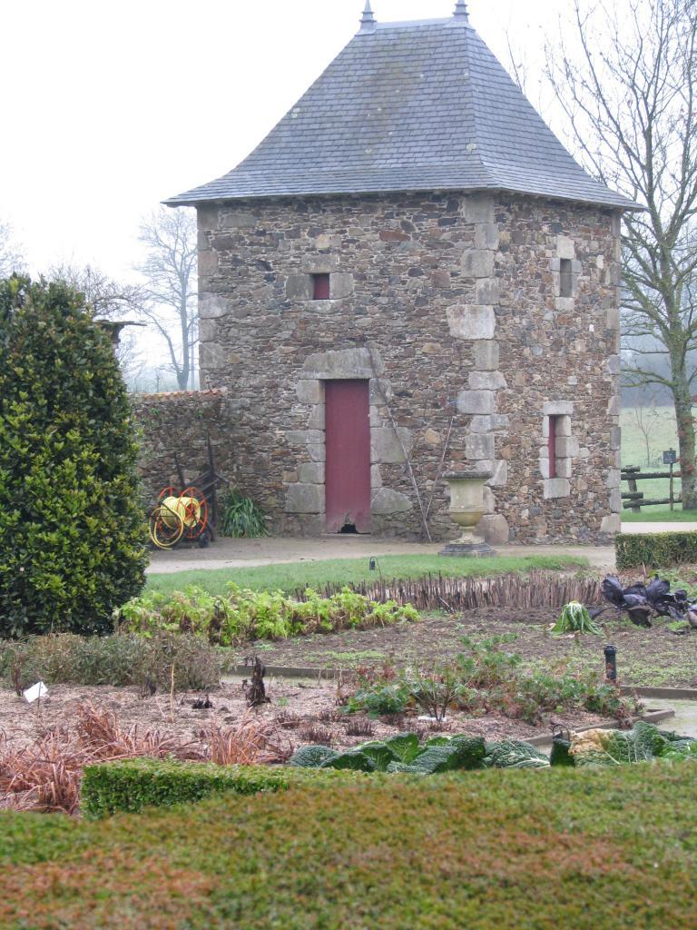 Saint-Sulpice-le-Verdon Logis de la Chabotterie (38)