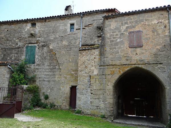 Sainte-Eulalie-de-Cernon (Aveyron) La Commanderie, aile Sud