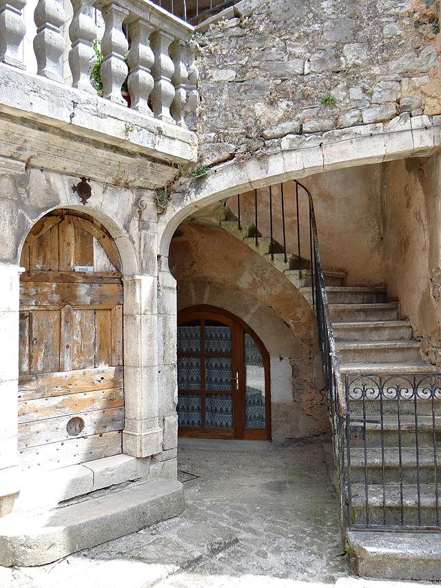 Sainte-Eulalie-de-Cernon (Aveyron) Maison des XVème et XVIIème