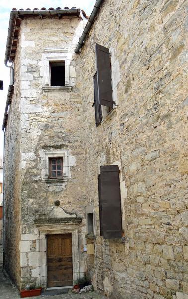 Sainte-Eulalie-de-Cernon (Aveyron) rue Basse, maison du XVIIème