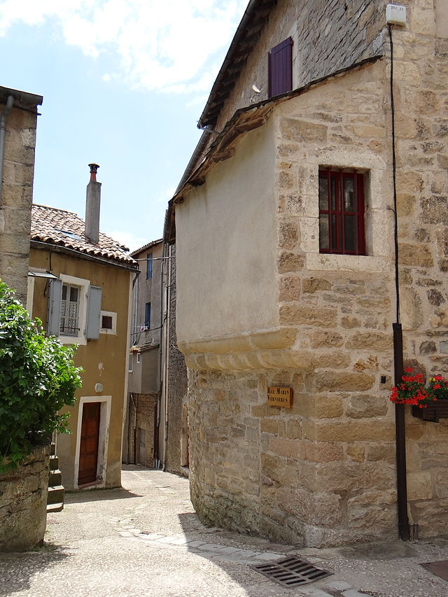 Sainte-Eulalie-de-Cernon (Aveyron) rue Marin Vernières