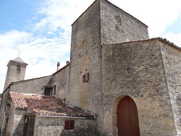 Sainte-Eulalie-de-Cernon (Aveyron) La Commanderie, tour de quarante