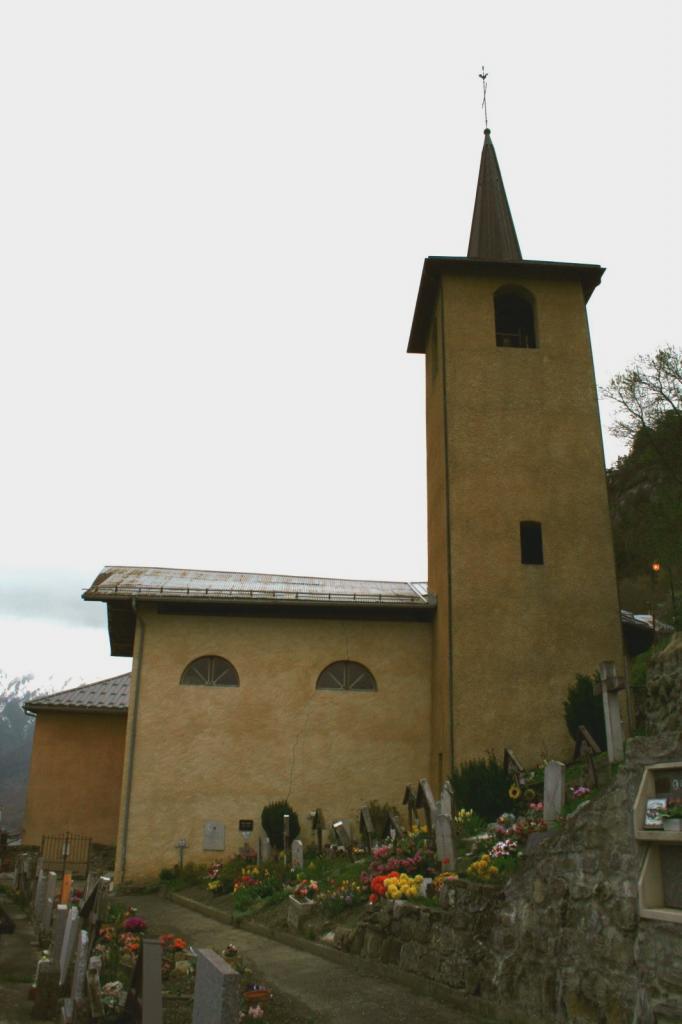 Salins-Fontaine (Savoie) Fontaine-le-Puits, l'église ND de Pitié et Saint-Roch