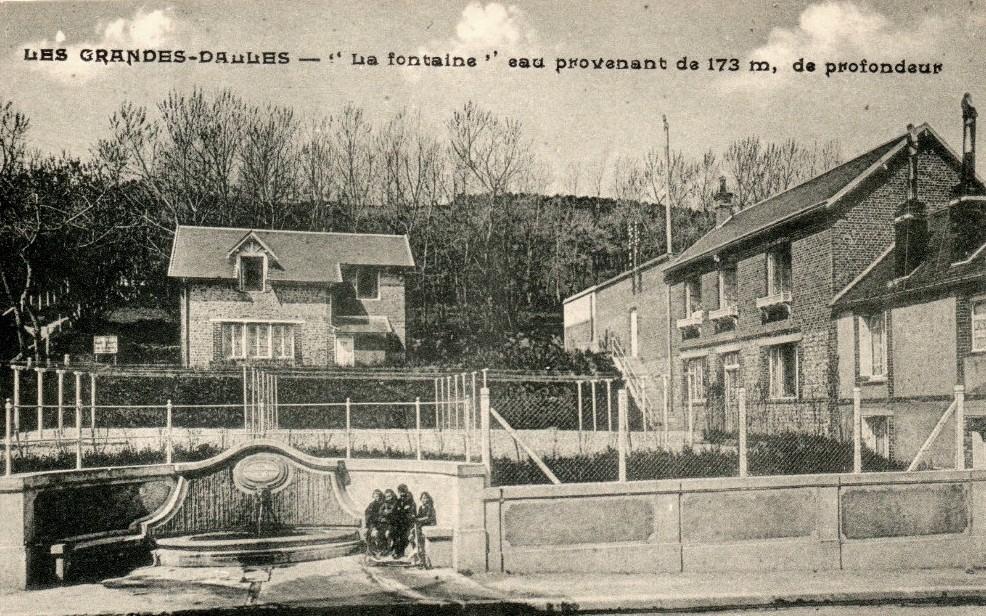 Les Grandes-Dalles, la fontaine CPA