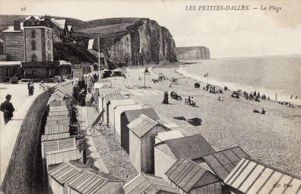 Les Petites-Dalles, la plage et les cabines CPA