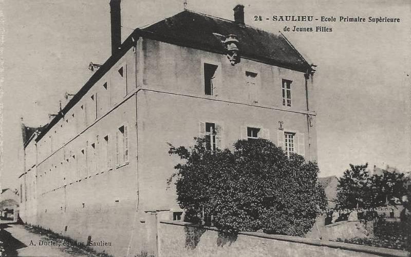 Saulieu (Côte d'Or) L'Ecole primaire supérieur CPA