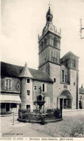 Saulieu (Côte d'Or) La basilique Saint-Andoche CPA