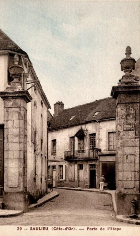 Saulieu (Côte d'Or) La porte de l'étape CPA