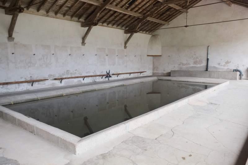Saulieu (Côte d'Or) Le lavoir de 1764