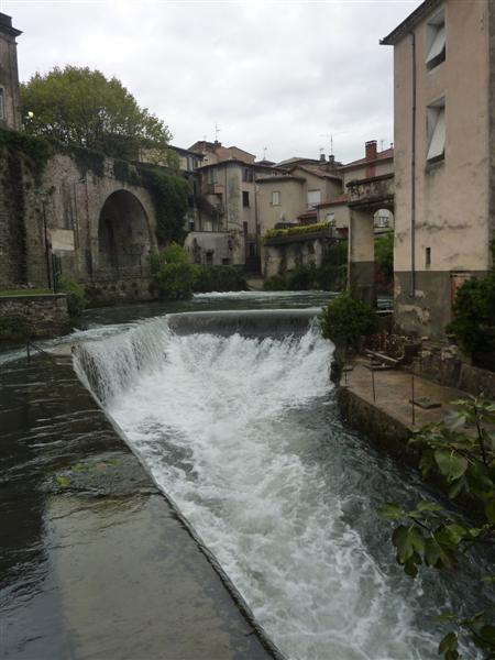 Sauve (Gard) La résurgence et le pont vieux