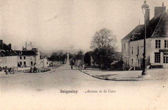 Seignelay (89) L'avenue de la Gare CPA