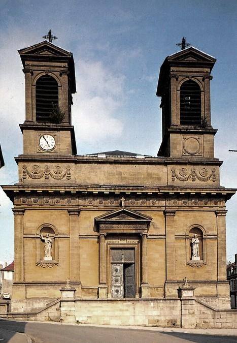 Stenay (Meuse) L'église Saint-Grégoire