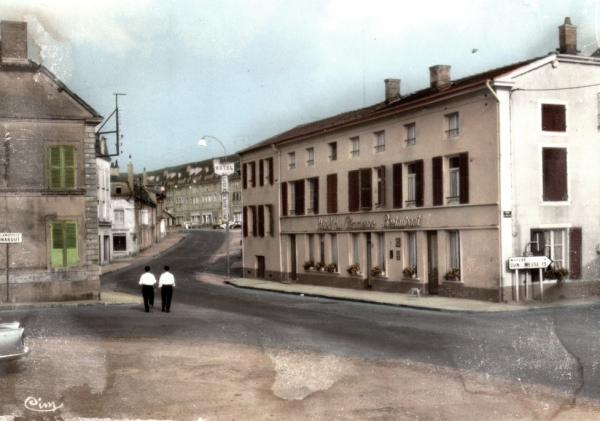 Stenay (Meuse) L'Hôtel du Commerce CPA