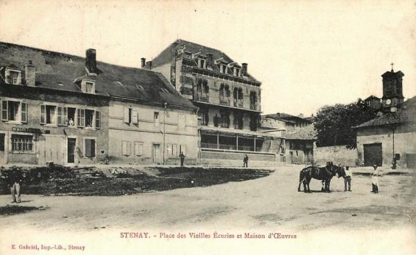 Stenay (Meuse) La place des anciennes écuries CPA