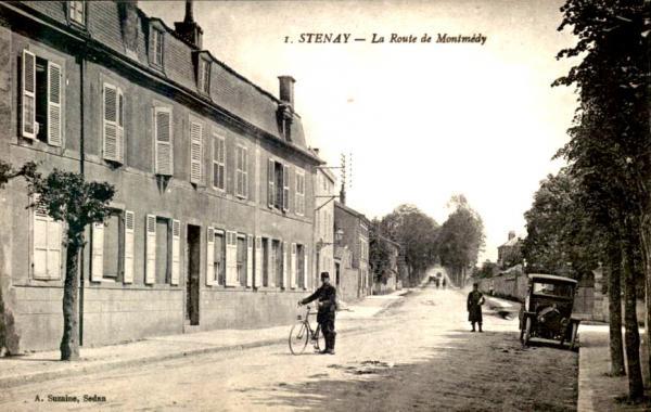 Stenay (Meuse) La route de Montmédy CPA