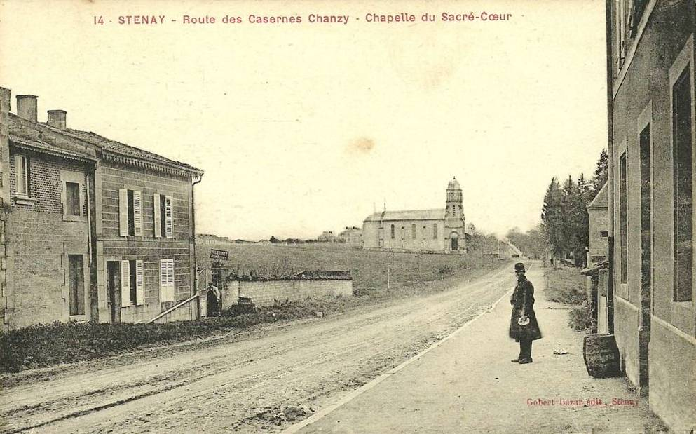 Stenay (Meuse) La route des casernes CPA