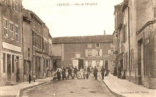 Stenay (Meuse) La rue de l'hôpital CPA