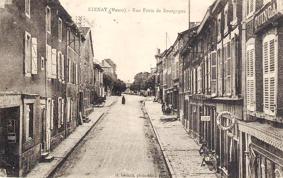 Stenay (Meuse) La rue Porte de Bourgogne CPA