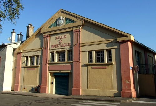 Stenay (Meuse) La salle de spectacle