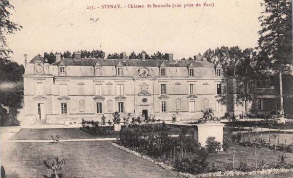 Stenay (Meuse) Bronelle, le château vu du parc CPA