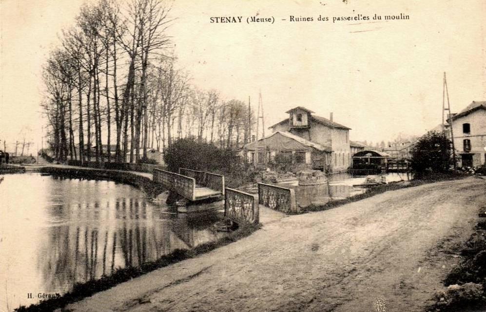 Stenay (Meuse) Les passerelles du moulin ruinées CPA