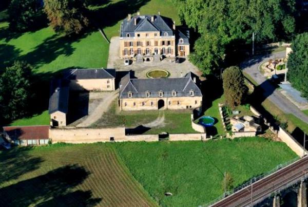 Thonne-les-Près (Meuse) Le château