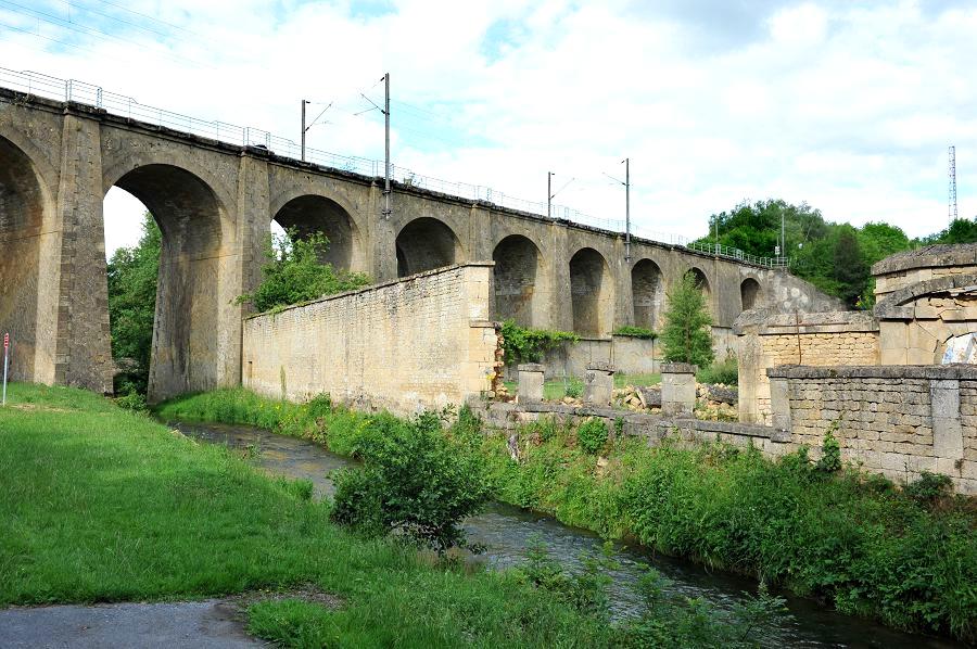 Thonne-les-Prés (Meuse) Le viaduc