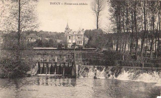 Toucy (89) La Fosse aux abbés CPA