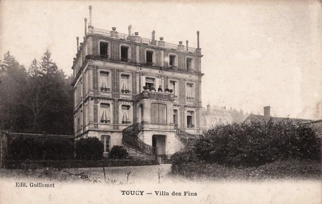 Toucy (89) La villa des Pins CPA